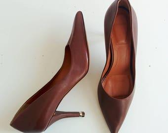 Givenchy gold tone heel pumps