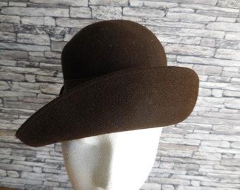 Vintage French ladies dark brown felt hat.