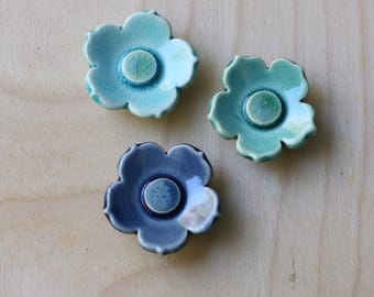 set of 3 flower magnets aquas and blue