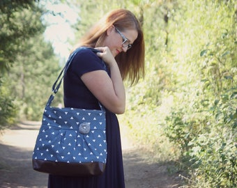 Handbag, Crossbody Purse, Messenger Bag, Medium Faux Leather Bag, Navy Purse, Triangle Handbag, Vegan Leather, Pleated Purse, Navy and White