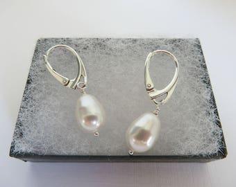Tear drop pearl earrings, White pearl earrings, Swarovski pearl earrings, Pear drop earrings, Pearl leverback earrings, Made in the UK