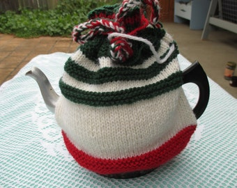 Christmas Tea Cosy - Hand Knitted