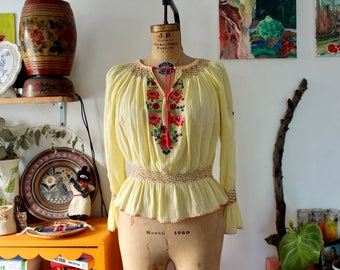 1960s-1970s pale yellow Indian cotton gauze floral blouse. small-medium
