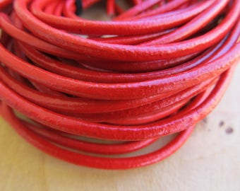 50 cm of diameter 3 mm genuine leather cord: red.