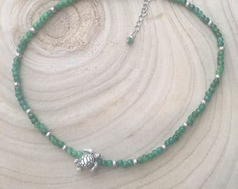 Choker / Marble Green Beaded Necklace with Silver Sea Turtle / Adjustable / Boho Beach Style
