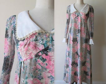 60's maxi dress / hippie floral dress with white collar and cuffs by Miss Rita of California size small