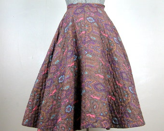 CLEARANCE // Vintage 1950s Quilted Skirt 50s Cotton Paisley Full Circle Skirt Size 25 Waist