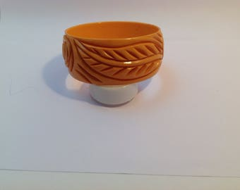 Carved bakelite bangle bracelet, rich colour 1930-1940's