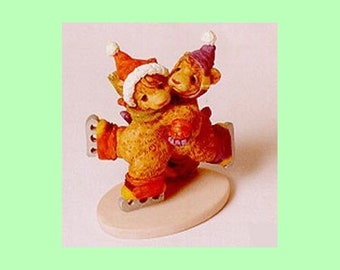 Skater's Waltz Porcelain Skating Teddy Bears Figurine ROMANTIC - Circa 1990