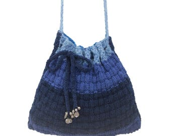 Knitting Pattern for a shoulder bag, Knitting Bag pattern, Handmade Tote Bag, Handbag knitting pattern, Self-striping Aran yarn