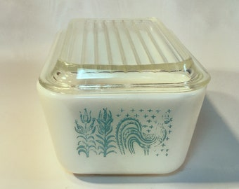 Rare Vintage Pyrex Refrigerator Dish 0502 Butterprint Turquoise and White with lid