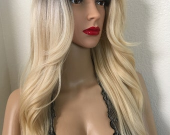 Blonde wig ombré dark roots wavy layered straight hair on the back