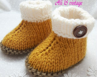 mustard Baby booties unisex Bootees Baby unisex Boots Knitted Boots Baby Gift Baby shower Baby Footwear Baby  mustard boots  ugg style boots