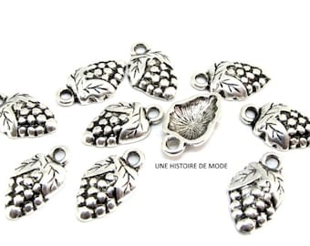 10 charms bunch of grapes metal silver 20 mm x 12 mm