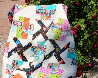 Spinning Owls Lap Quilt