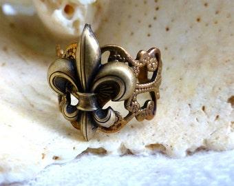 Fleur De Lis Ring - Brass Filigree Cocktail Adjustable Ring- French Symbol Fashion Ring