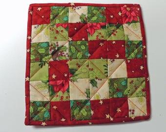 Mini Quilt Mug Rug Candle Mat Snack Mat Red Green Cream Christmas Patchwork Handmade Decorative