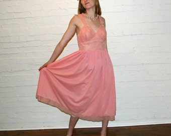 PRETTY IN PINK 50s GOWN