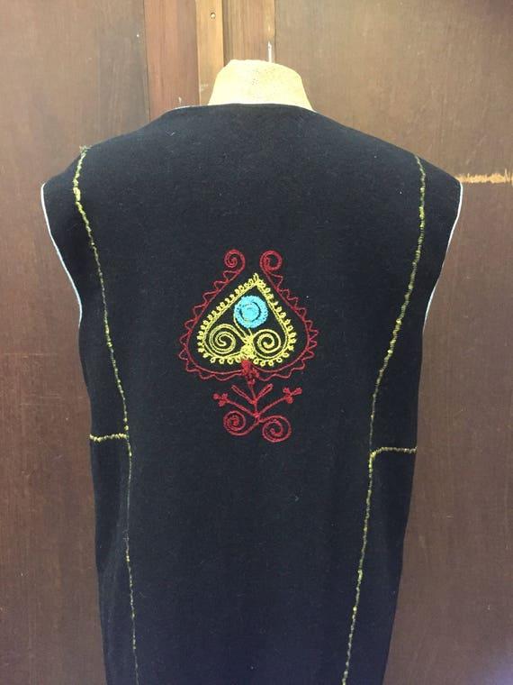 Vintage /traditional /Swedish /embroidered/wool vest/folk art/Scandinavian/nordic