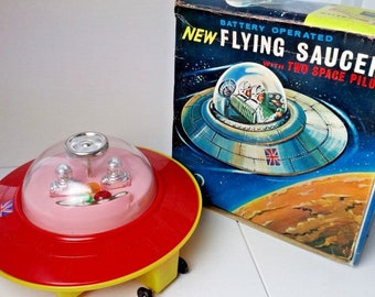 Rosenthal (JR 21) Flying Saucer with Two Space Pilots with Box. 1969 vintage toy from Hong Kong