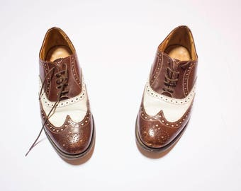Vintage shoes in brown and white bicolor leather