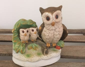 Vintage Hand-PaintedPorcelain Mother Owl with Two Baby Owls Figurine M914