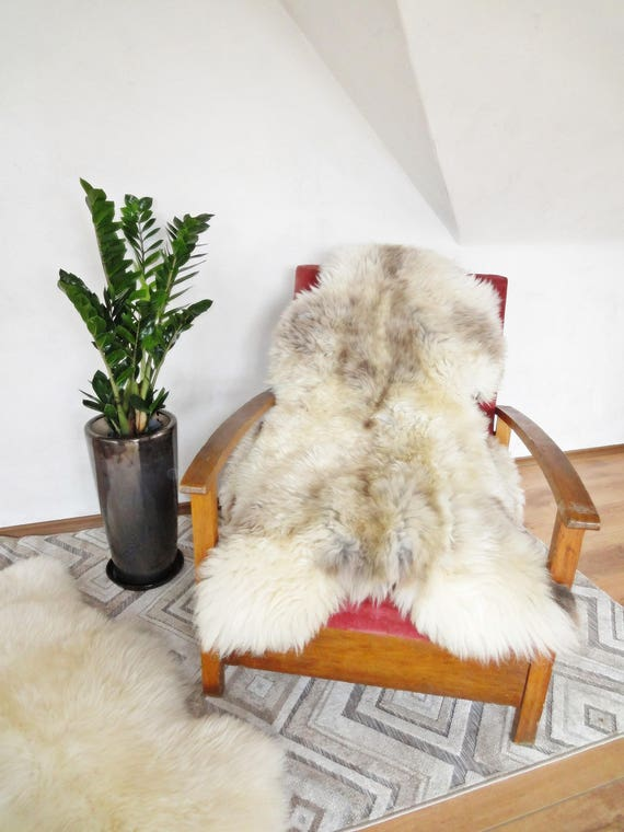 Beautiful sheepskin rug. RARE breed!!! Not dyed!!! Very original color! One and only! Prime quality!!! About 150cm long!!!
