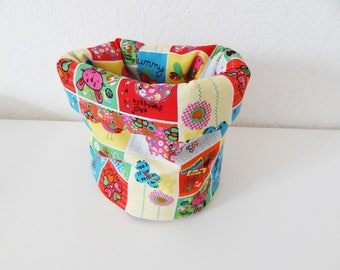Colorful basket quilt, printed: diaper, wipes, baby storage