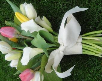 Fresh Tulip Bouquet         Wedding Bouquets       Tulip Bridal Bouquets     Custom Wedding