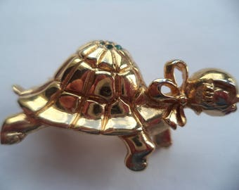 Vintage Signed Napier Goldtone/Green Rhinestone Turtle/Tortoise Brooch/Pin   Cute