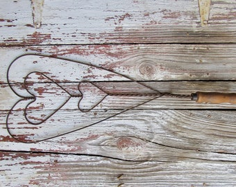 twisted wire triple heart rug beater/primitive wire carpet beater