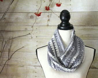Winter Snow Fancy Cowl