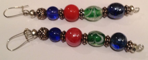 SJC10223 - Multi-colored (red, blue, green) glass, antique silver, and metal beads.