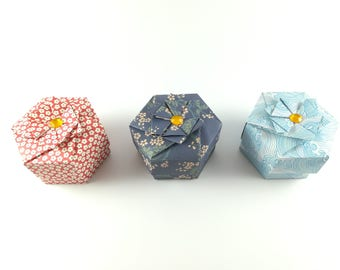 Origami hexagonal boxes in decorated paper (3pcs)