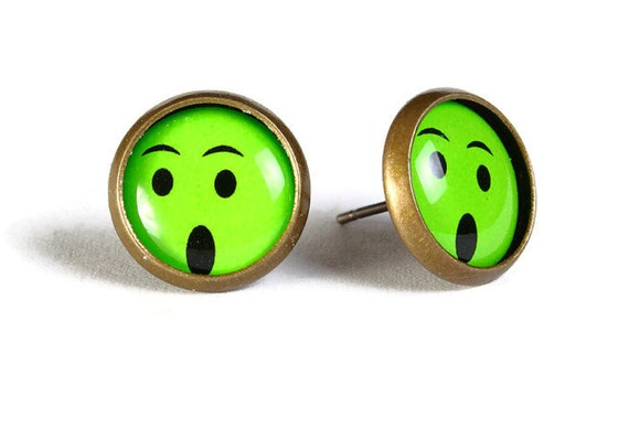 Green smile smiley hypoallergenic stud earrings (503)