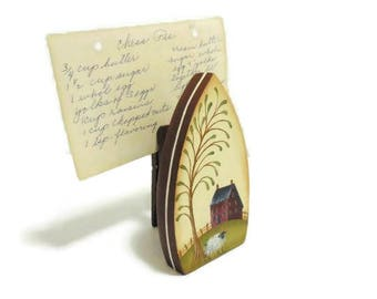 Primitive Wooden Iron Recipe Card Holder | Tole Painted Photo Holder With Prim Scene
