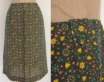 1970's Green Floral Cotton Pencil Skirt Size Small by Maeberry Vintage