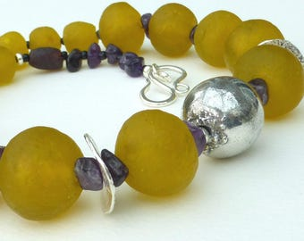 Mellow Yellow Necklace - opposites attract