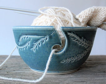 ceramic yarn bowl, garland crochet bowl,  pottery wool bowl, wheelthrown yarn bowl, knitter's bowl, unique yarn bowl