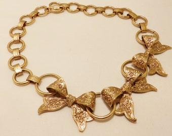 Vintage Gold Tone Bow Dauplaise Necklace