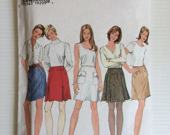 Vintage Simplicity sewing pattern 7257 - Misses' set of skirts - size 4-6-8