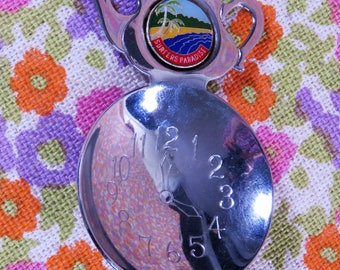 Vintage 60s Surfers Paradise teaspoon rest teapot shaped - Queensland souvenir