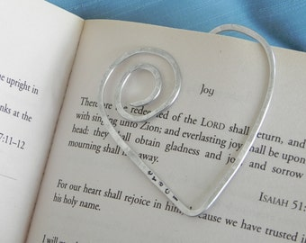 Personalized Heart shaped wire Bookmark... shaped wire -- hammered and hand stamped with name