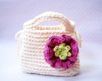 Little Girl's First Purse -  Crochet bag pattern / PDF