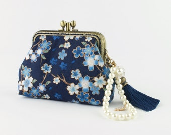 Hand crafted Japanese coin purse of flowers on bronze coloured double kiss lock frame #0025
