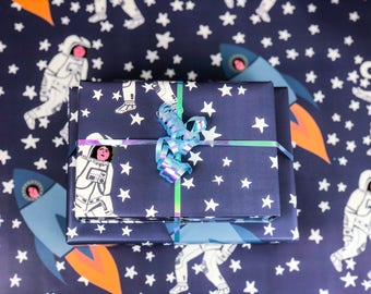 Gift Wrap of Space Ladies // Space Wrapping Paper // Astronaut Gift Wrap // Present Wrapping // Cute Wrapping Paper // Illustrated Gift Wrap