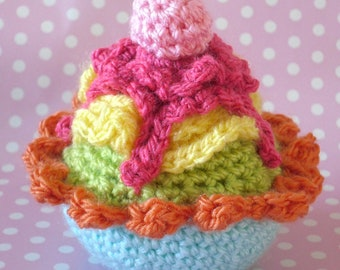 crochet cupcake pattern in English and American terms