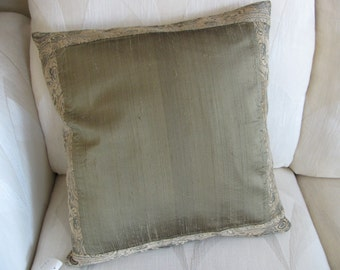 Lovely Green Pillow Cover  18 x 18