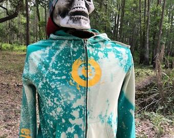 2000's Etnies zip-up hoodie.