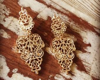 Gold Filigree Drop Earrings, Gold Earrings, Gold Drop Earrings, Gold Dangle Earrings, Wedding Jewelry, Wedding Earrings